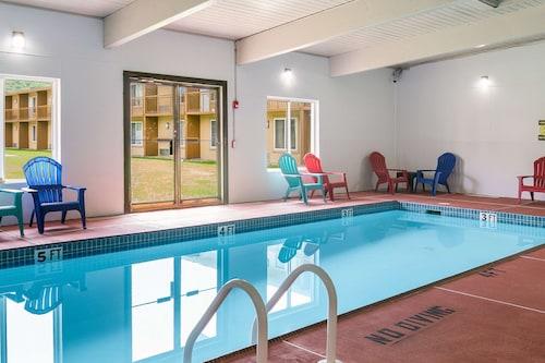 . Rodeway Inn & Suites Stroudsburg - Poconos
