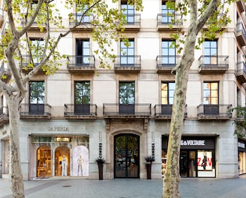 Hotel Condes de Barcelona - Hotel Entrance