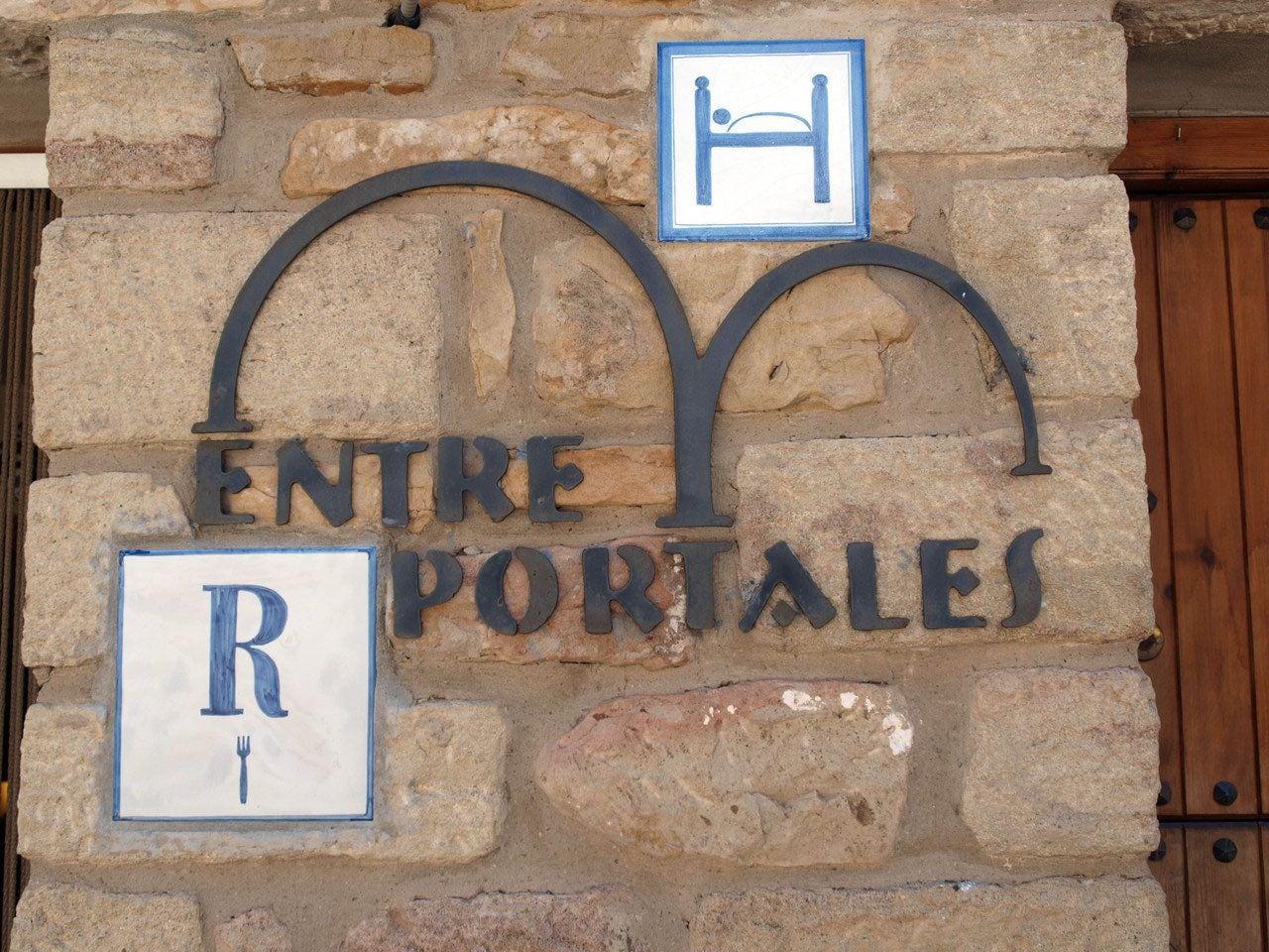 Hostal Entreportales, Teruel