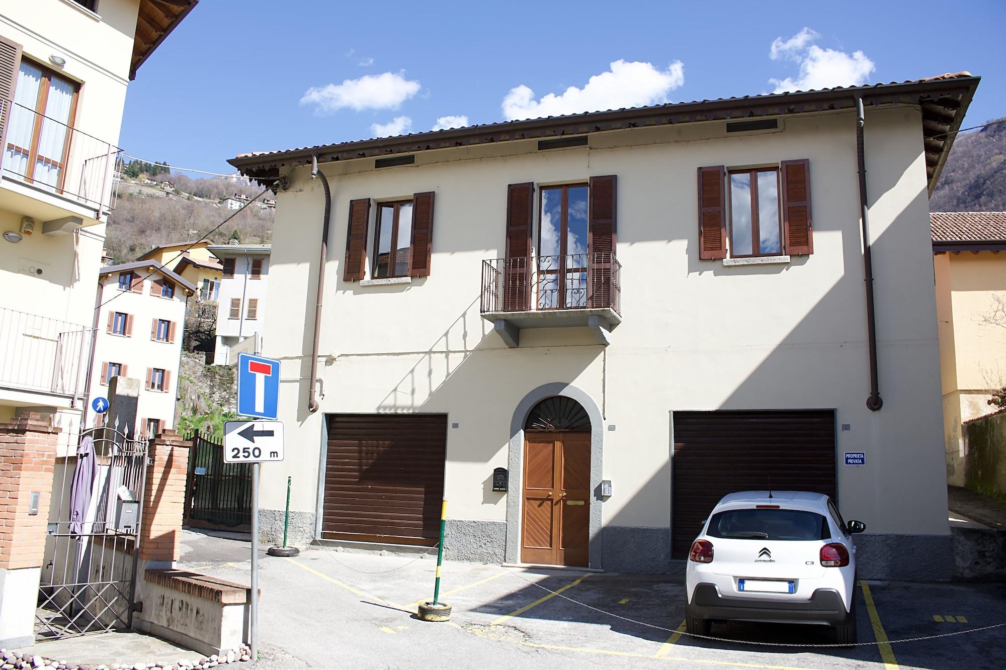 La Casa Sul Sasso Apartment 1, Lecco