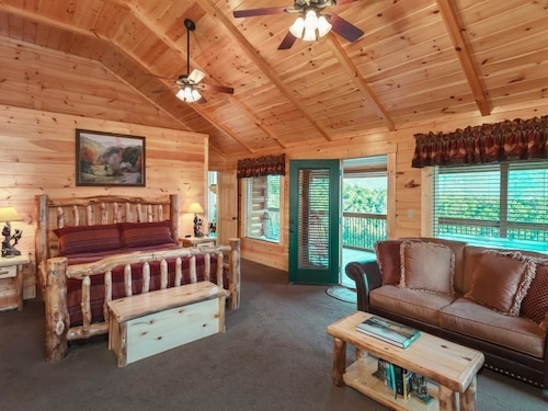 Cloud Dancer II 3 Bedroom Home with Hot Tub, Sevier