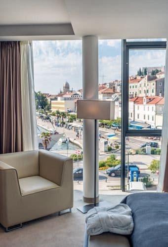 . Hotel Bellevue-Superior City Hotel