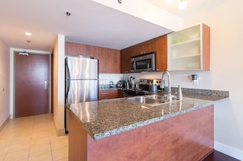 MAKATI REST ROOM Private Kitchen