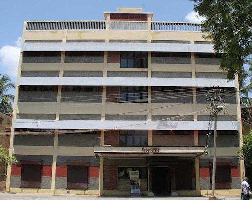 UrbanSPiCE Service Apartments, Madurai