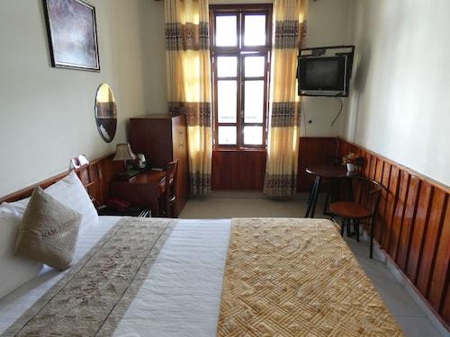 Nam Phuong Riverside Villa, Huế