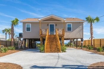 East Ashley Avenue 1691 - Folly Drifter 3 Bedrooms 2 Bathrooms Home