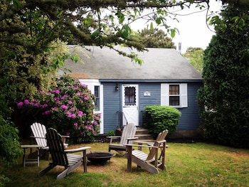 Ridgevale Beach Cottage 2 Bedrooms 1.5 Bathroom Home