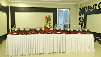 HOTEL GREGORIO Reception Hall