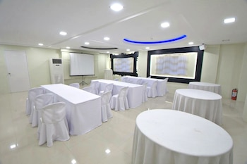 HOTEL GREGORIO Meeting Facility