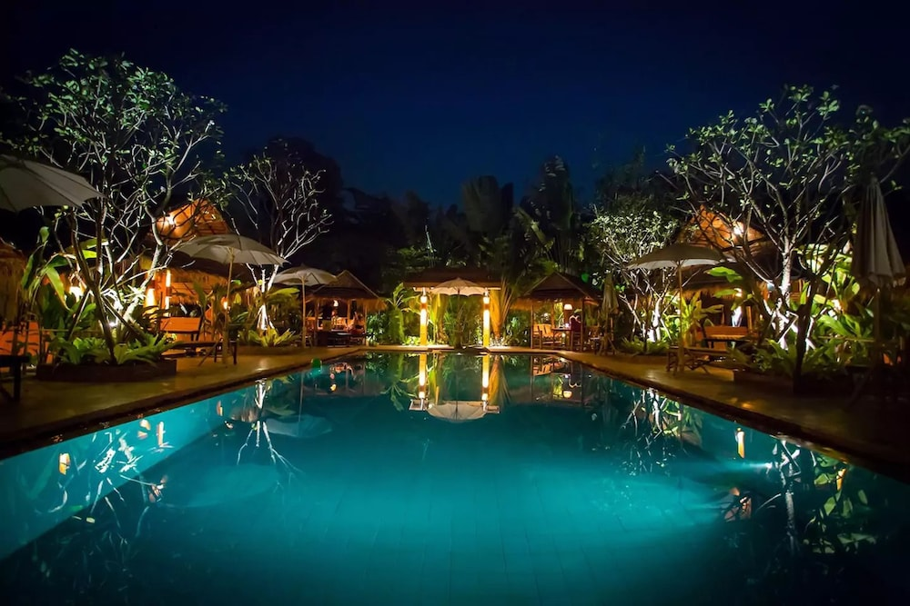 Enchanted Garden Bangalows Travel Tips Guides And Holiday Ideas Stuff Travel Bookings