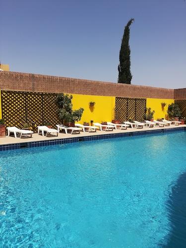 . Mariam Hotel