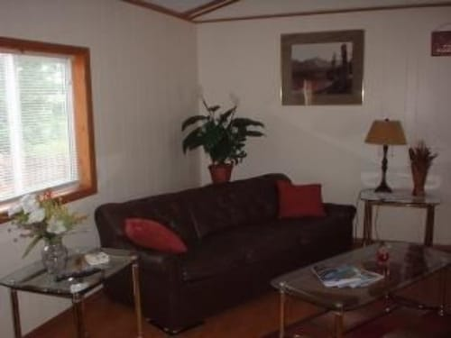 Mountain View Meadow Cottage, cozy get-a-way in beautiful Montana., Flathead
