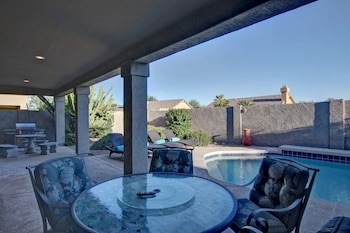 Listing SLS Blanche - Luxury Home with Free Heated Pool & Spa.