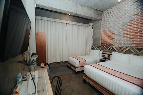 The Bricks Hotel, Dumaguete City