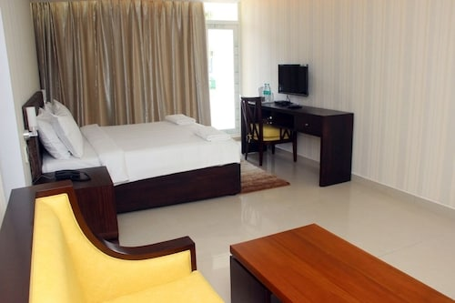 Saaral Resorts, Tirunelveli