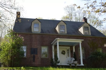 Base Camp - Dutch Colonial Estate