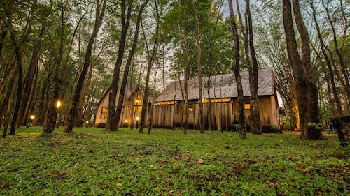 Teakwood Villa, Muang Kanchanaburi