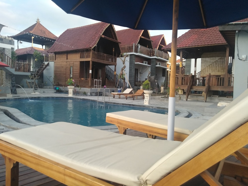 Ayu Laba Beach Villa and Resto