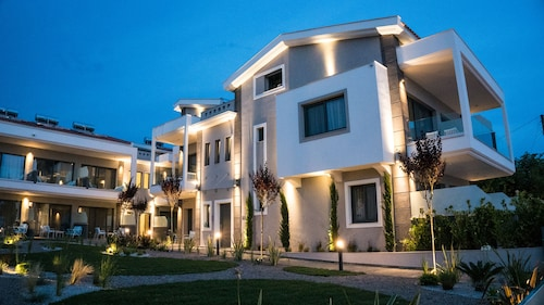 . Costa Domus Blue Luxury Apartments