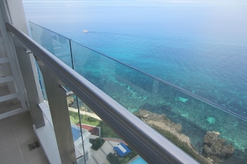 STUNNING OCEAN VIEW AT ARTERRA BAY Terrace/Patio