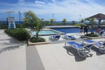 STUNNING OCEAN VIEW AT ARTERRA BAY Pool