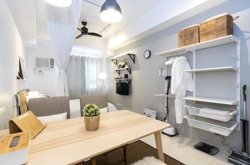 Luxury Scandinavian Studio @ The Pearl Place, Pasig City