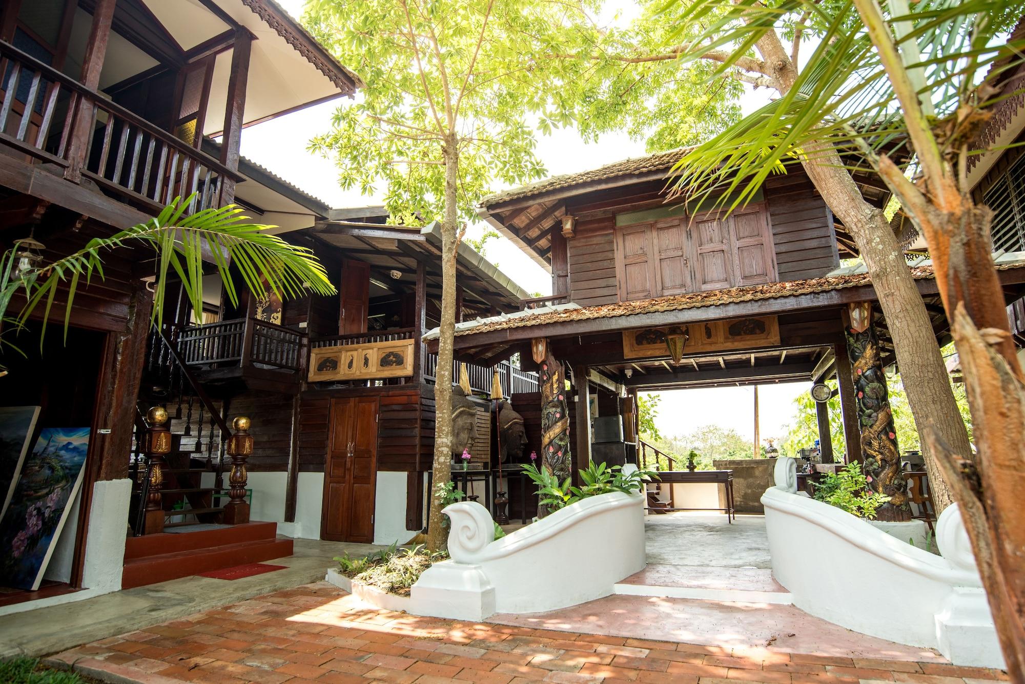 Boon Home Stay Arts and Crafts, San Kamphaeng