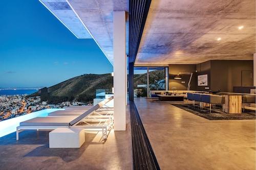 Fynbos Villa, City of Cape Town