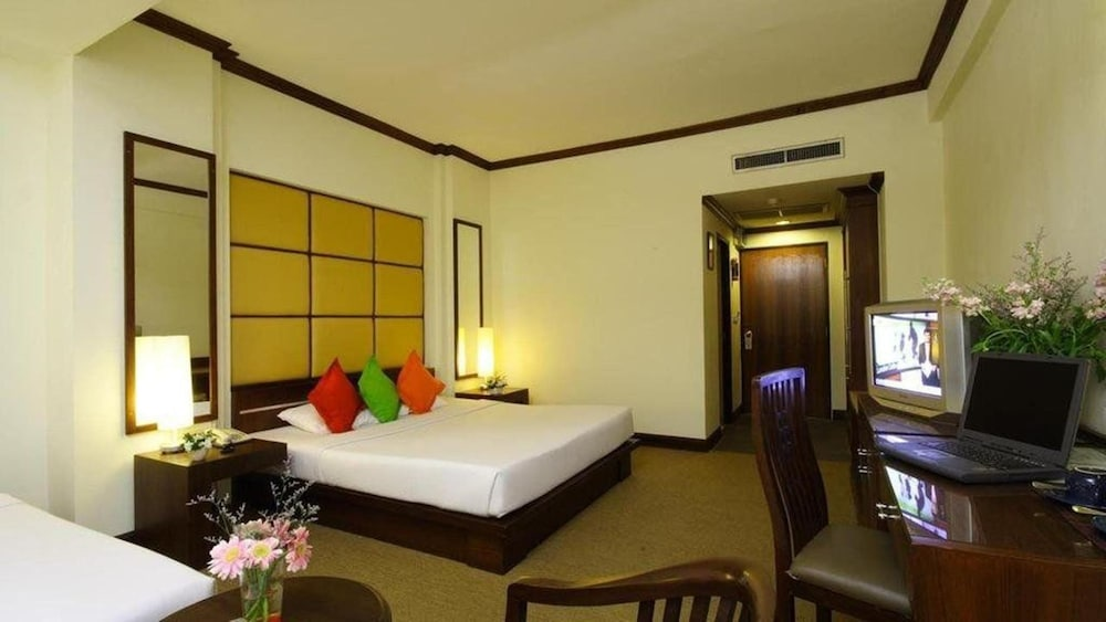 Business Inn Grand  By Bunk