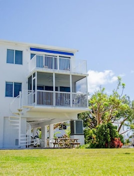 Sunny Yacht Club Townhome 3 Bedrooms 3 Bathrooms Townhouse