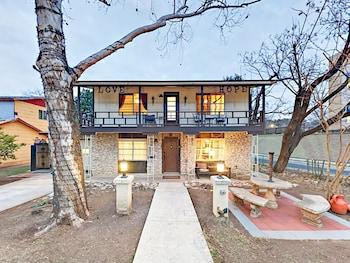 3815 Wilson St Home 5 Bedrooms 2 Bathrooms Home