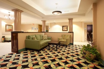 Lobby Sitting Area at Country Inn & Suites by Radisson, Murrells Inlet, SC in Murrells Inlet