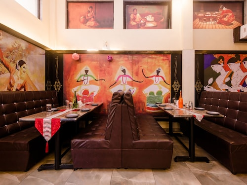 OYO 11855 Phoenix Hotel, Raigarh