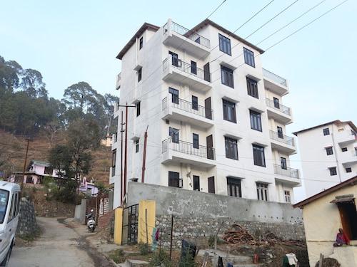 . OYO 12328 Home 3BHK Pent house Shyamkhet Bhowali