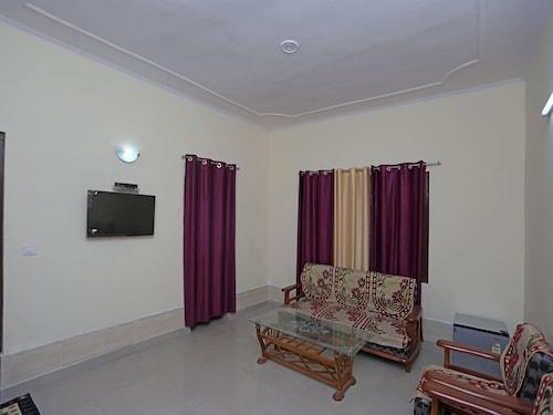 . OYO 12264 Home 2BHK Naini Paradise Bhowali