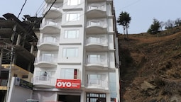 OYO Flagship 8421 Hotel Seven Hills