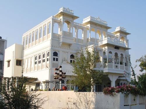 OYO Home 11936 Heritage Stay in New Bhupalpura, Udaipur