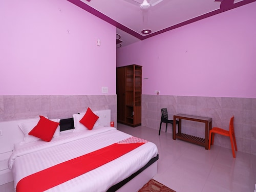 OYO 12065 Hotel Raj Palace, Mathura