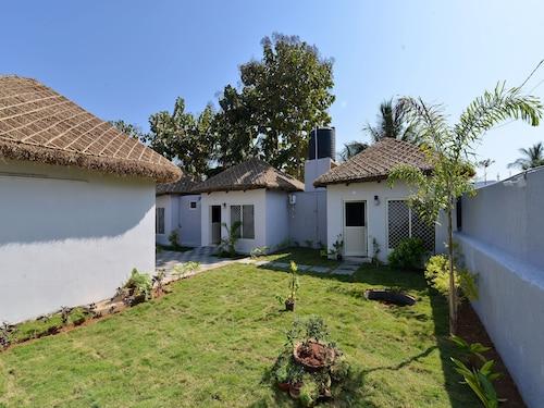OYO 12084 Bay Paradise, Visakhapatnam