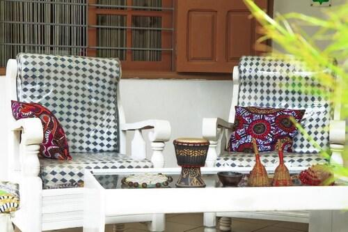 La maison de Canelya, Cotonou
