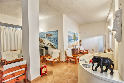 __{offers.Best_flights}__ Hotel Al Faro