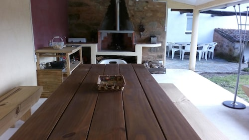 House With 3 Bedrooms in Oleiros, With Furnished Garden and Wifi, Oleiros