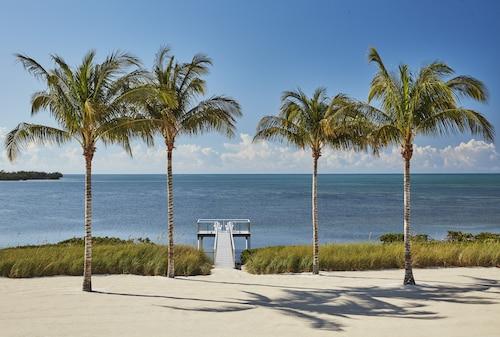 . Isla Bella Beach Resort & Spa