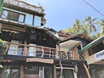 BONTOC SEAVIEW GUESTHOUSE Featured Image