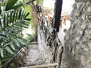 BONTOC SEAVIEW GUESTHOUSE Property Grounds