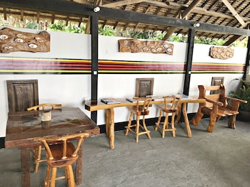 BONTOC SEAVIEW GUESTHOUSE Dining