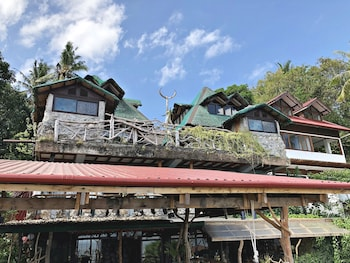 BONTOC SEAVIEW GUESTHOUSE Front of Property