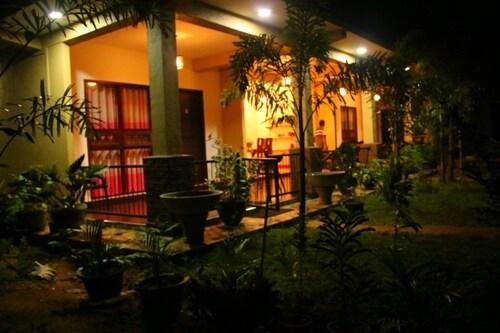 Dambulla Holiday Home, Dambulla