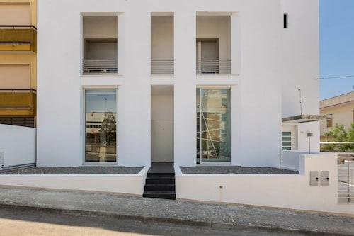 Loft Zaly, Lecce