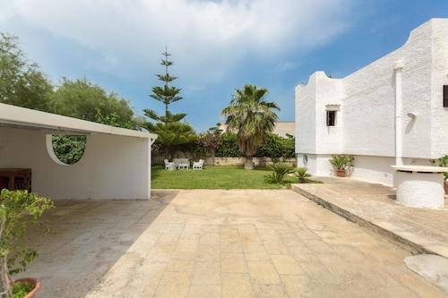 Villa Isabò, Bari